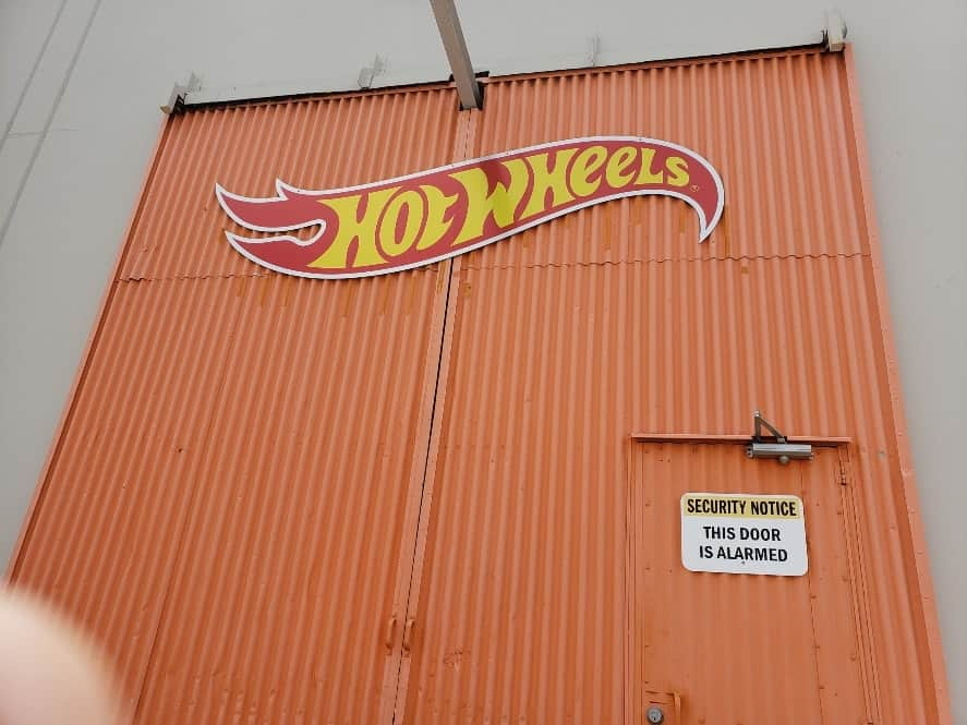 Hot Wheels Garage w. special guest my finger